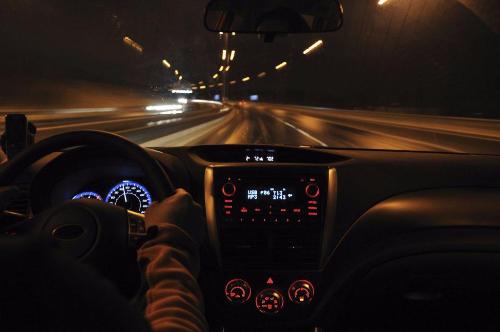 ¿Cómo afecta la salud ocular en la conducción?
